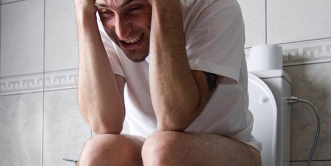Боль при геморрое у мужчины